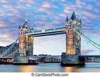 London, Tower Bridge