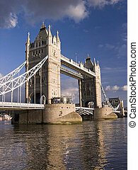 london uralkodik bridzs