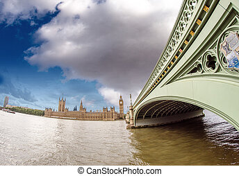 London. Westminster Bridge and Houses of Parliament, wide angle