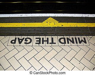 London07 - London subway station