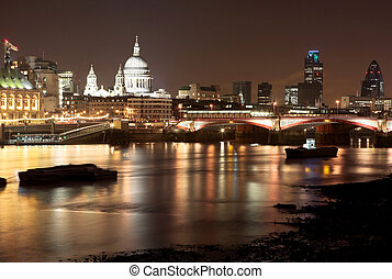 London#27 - Cityscape at nighttime  in London.
