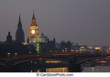 londyn, sylwetka na tle nieba, noc