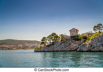 Lonely house on the rocks with sea view in Croatia