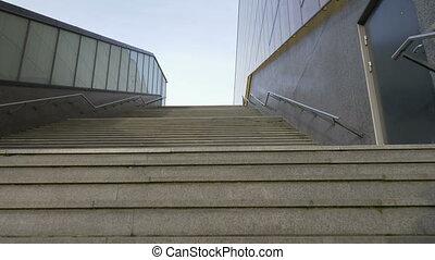 long, appareil photo, escaliers haut, mouvement