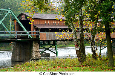 Long Covered Bridge - Historic covered bridge in Ashtabula...