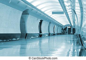 long, station, couloir, métro