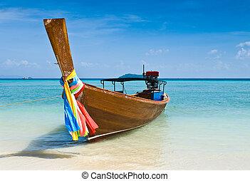 Long tailed boat at Thailand - Long tailed boat at Phiphi ...