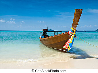 Long tailed boat at Thailand - Long tailed boat at Phiphi...