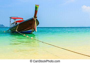 Long-tailed boat. - Long-tailed boat at Andaman Sea Phi Phi ...