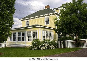 Longfellow House in Minnehaha Park - Henry Wadsworth...