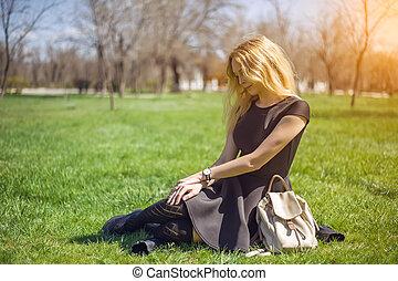 longo, cabelo preto, meias, menina, vestido