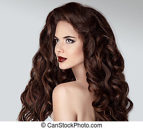 longo, hair., bonito, morena, retrato mulher, com, ondulado, saudável, cabelo, isolado, ligado, estúdio, cinzento, experiência., cacheados, hairstyle.beauty, makeup., shampoo, healthcare.