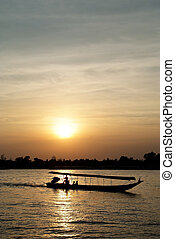 Longtail Boat 2