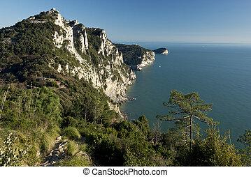 Looking at Portovenere and Palmaria - The coastline between...