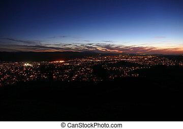 los angeles, califórnia, subúrbio, noturna