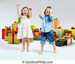 lotes, presentes, crianças, feliz