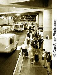 lotnisko, rzucać się