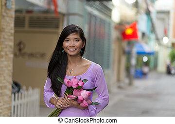 loto, mujer, flores, asiático, tenencia