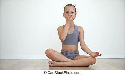 lotus position, girl, séance