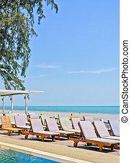 lounge, cadeiras, em, praia tropical