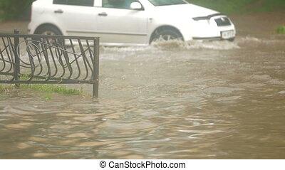 lourd, conduite, inondé, pluie, rue, pendant