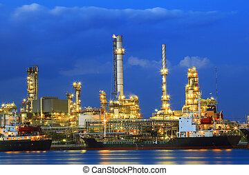 lourd, industrie, terre, scape, de, pétrochimique, raffinerie, plante, à
