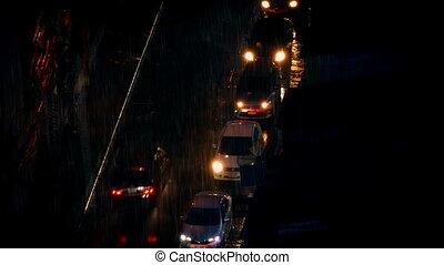 lourd, route ville, pluie, voitures