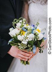 lovász, és, menyasszony, birtok, egy, esküvő bouquet, dísztér, közelkép