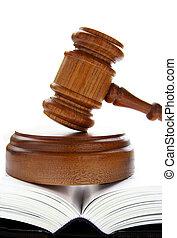 lov, gavel, på, en, åbn, lawbook, hen, hvid