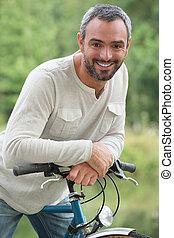 lovagol, bicikli, ember