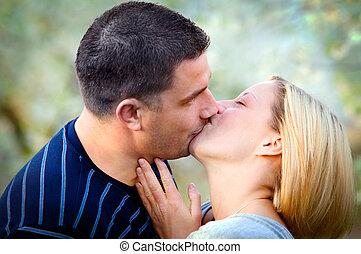 Love kissing couple