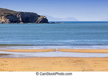 Low tide - Empty beach during low tide