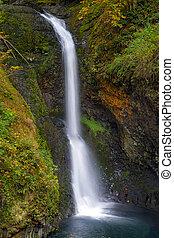 Lower Butte Creek Falls in Fall Season