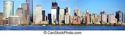 Lower Manhattan panorama - Lower Manhattan with Battery Park...