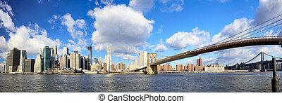 Lower Manhattan panorama - Panoramic view of Manhattan...