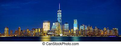 Manhattan skyline panorama - Lower Manhattan skyline...