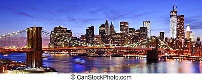Lower Manhattan Skyline - Lower Manhattan skyline in New...