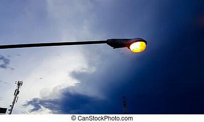 luce elettrica, contro, strada, fondo, crepuscolo