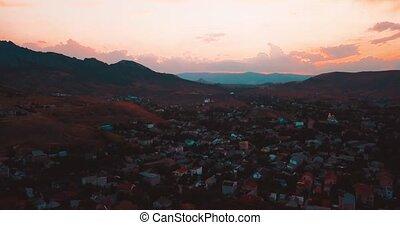 luchtopnames, establisher, colors., zee, city., rotsen,...