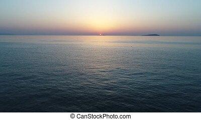 luchtopnames, terugtocht, aanzicht, van, kalm, oceaan, op,...