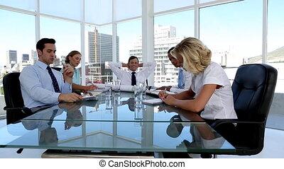 ludzie, brainstorm, handlowy, grupa