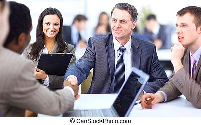 ludzie handlowe, siła robocza, do góry, ostatni, spotkanie, potrząsanie