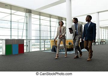 ludzie, inny, pieszy, podłoga, znowu, handlowy, każdy, multi-ethnic, interacting, biuro