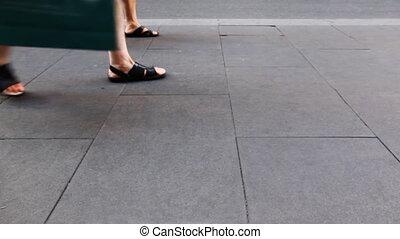 ludzie, nogi, w, lato, obuwie, iść, bruk, od, kamień, płyty