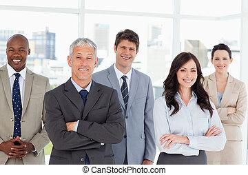 ludzie, okno, piątka, ich, handlowy, uśmiechanie się,...