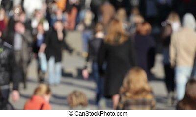 ludzie piesze, na, zajęta ulica