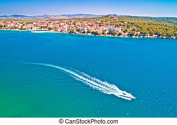 luftaufnahmen, brodarica, adriatisches meer, dorf, strand, ansicht
