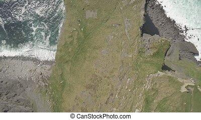 luftaufnahmen, irland, landschaft, touristenattraktion, in, grafschaft, clare., der, klippen moher, und, burren, ireland., episch, irisch, landschaftsbild, wasserlandschaft, entlang, der, wild, atlantisch, way., schöne , landschaftlich, natur, irland