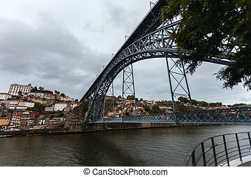 luiz i bridge in oporto