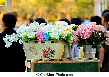 lujoso, boda, hermoso, flores, sobre la mesa